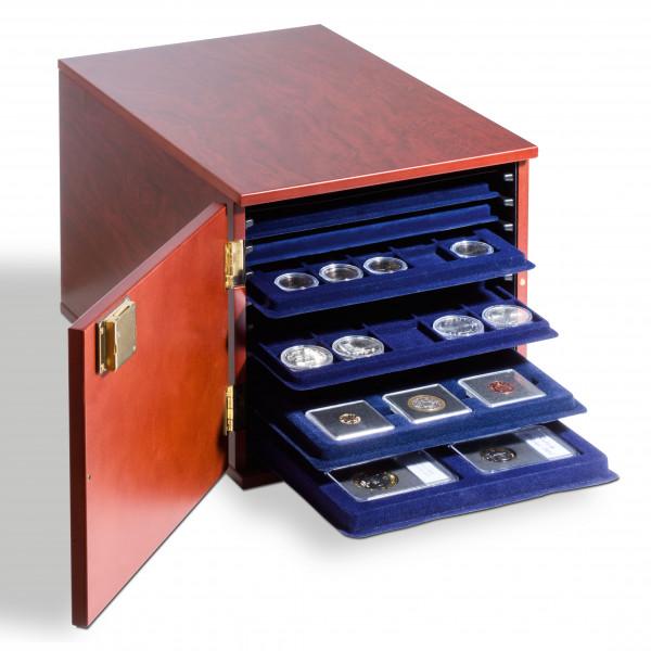Münzkabinett für 10 Münztableaus im L-Format, mahagonifarben
