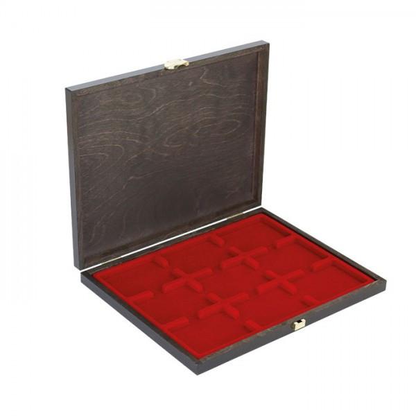 Echtholz-Münzkassette CARUS-1 mit einer dunkelroten Münzeinlage für 9 US-Münzkapseln (Slabs) bis zu einem Format von 63 x 85 mm