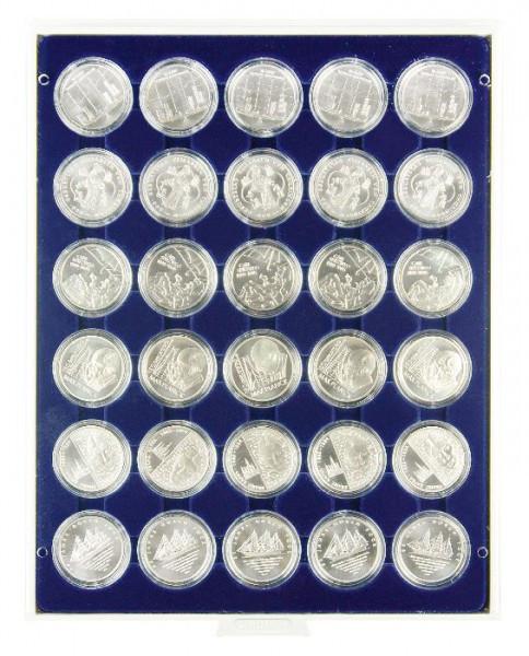 Velourseinlage, dunkelblau, mit 30 runden Vertiefungen für Münzkapseln mit Außen-ø37,5 mm, z.B. für orig. verkapselte deutsche 20 Euro-/10 Euro-Silbermünzen in Spiegelglanz